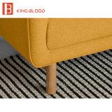 Compra de madera de la silla del brazo del color de la tapicería rosada de la tela de en línea