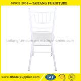 Weißes Metallhochzeits-Miete-Stuhl
