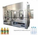 Производственная линия упаковки разливая по бутылкам завода автоматической жидкости напитка бутылки любимчика фруктового сока заполняя