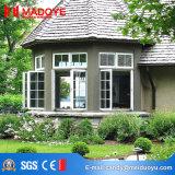 De décoration guichet ouvert à la maison de tissu pour rideaux vers l'extérieur avec l'écran de mouche