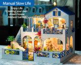 子供のための青い木のおもちゃの人形の家