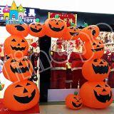 Halloweenの祝祭党装飾のギフトの漫画は膨脹可能なカボチャアーチをもてあそぶ