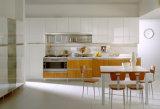 Piccola cucina Cabient dell'appartamento del pacchetto piano adatto a progetto