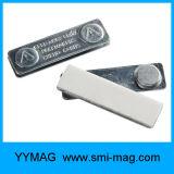 Emblema conhecido em branco plástico do emblema em branco do Tag conhecido com ímã