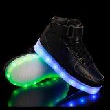 Tallone alla moda LED di comodità di modo delle 2016 ragazze dei ragazzi l'alto illumina in su i pattini di ballo per i capretti