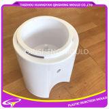 Água fria que bebe o mini molde da máquina