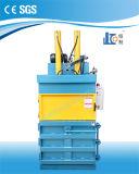 Máquina de compresión vertical hidráulica eléctrica del papel usado de la certificación del Ce Ved40-11070