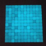 Azulejos de mosaico azules claros del vidrio cristalino para la piscina
