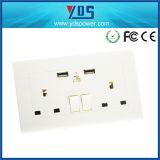 Выходы USB UK стенных розеток Pin двойника 3 гнезда электрические