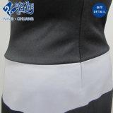 Emendando o vestido branco e preto da câmara de ar das senhoras da forma do Traseiro-Zipper do engranzamento
