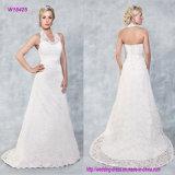Aufmachung Halterneck und eine Spitze das vollständige Hochzeits-Kleid mit reizvoller Backless Art bedeckend