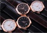 カスタマイズされた革バンドの方法人デザイン腕時計