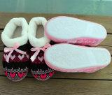 女性女性のニットのスリッパの屋内スリッパの履物の靴