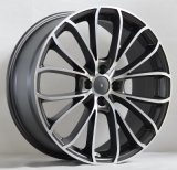Черное колесо сплава стороны машины