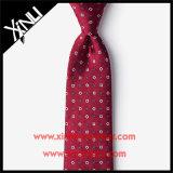 Le rouge maigre tissé par jacquard en soie attache la mode pour les hommes