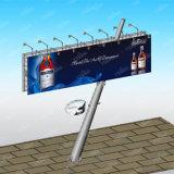 Via quadrata obliqua della colonna che fa pubblicità al tabellone per le affissioni Backlit LED
