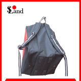 Красный и черный мешок ботинок лыжи обувает мешок