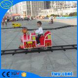 Tren de la pista del parque de atracciones de la fábrica de la fabricación
