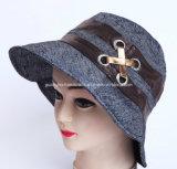 Femme balayé pourpre de chapeau de coton de mode