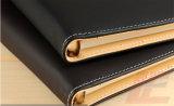 Caderno de couro diário da folha solta da tampa do jornal