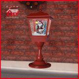 Het Bureau de Decoratieve Lichte Kerstman van de Lijst van Kerstmis binnen