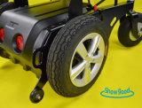 Sillón de ruedas plegable eléctrico ligero de Showgood con el motor del cepillo