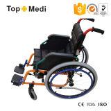 개화 치료는 아이들을%s Topmedi 편리한 시트 수동 알루미늄 휠체어를 공급한다