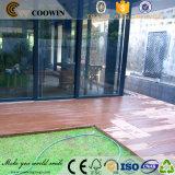 屋外の防水反紫外線WPCの木の床