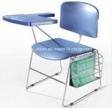 Training, allgemeiner stapelnder Plastikstuhl, Schule-Schreibtisch-Stuhl