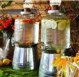 Grande vaso di vetro quadrato della bevanda con il coperchio ed il colpetto, basamento del metallo