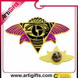Pin variopinto personalizzato del distintivo del ricordo