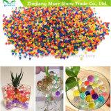 L'eau en cristal colorée en gros de saleté de boue d'usine perle la bio bille de gel pour la décoration de fleur/mariage