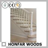 Загородка лестницы поручня лестницы Soild деревянная для украшения
