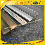 Perfil de aluminio con trabajar a máquina del CNC