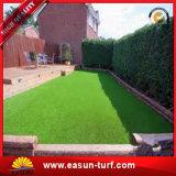 Ajardinar césped sintetizado del césped de la hierba del césped del jardín artificial comercial del césped