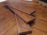 Suelo mongol raspado mano de la madera dura de la teca