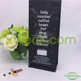 Sacchetti di caffè neri opachi della parte inferiore del blocco con la valvola