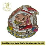 Divisa de cobre amarillo del Pin de la solapa del hierro del metal del carnaval del fabricante