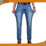 Dos homens clássicos novos das calças calças de brim magros à moda da sarja de Nimes do ajuste em linha reta