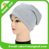 高品質のマルチカラーによって編まれる帽子の帽子