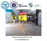 Sinal provisório do controlo de tráfico para o Roadwork