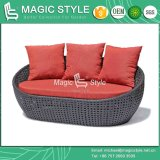 Viroクッション(魔法様式)が付いている柳細工のSunbedの柳細工の寝台兼用の長椅子の二重ベッドの庭の寝台兼用の長椅子