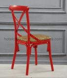 赤いフレームの鉄Xの十字の背部食事の椅子