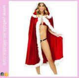 Популярное рождество одевает красный плащ