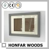 Marco de madera gris personalizado de la foto del bebé con el vidrio verdadero