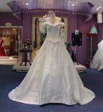 Princesa fora dos vestidos de casamento do cetim do ombro com trem da corte