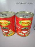 Pasto de tomate Vegetal em conserva