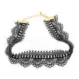 Het zwarte Met de hand gemaakte Kant haakt de Halsband van de Nauwsluitende halsketting van het Paleis
