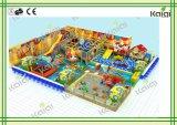 Крытая спортивная площадка для спортивной площадки /Kids крытой спортивной площадки темы сбывания/конфеты крытой