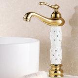 Taraud élevé de bassin de robinet de salle de bains de Flg avec le modèle en cristal en céramique